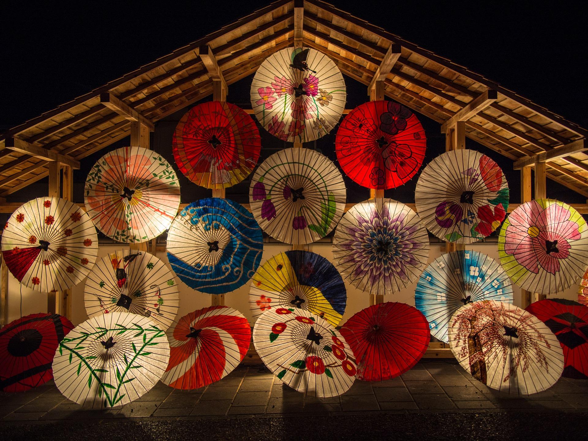 japanese-umbrellas-636870_1920.jpg